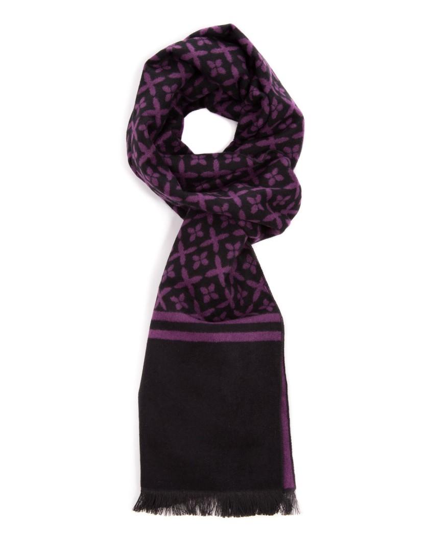 Czarny szal w fioletowy wzór